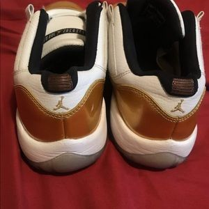 Jordan Shoes - Jordan 11 Low Gold Ceremony